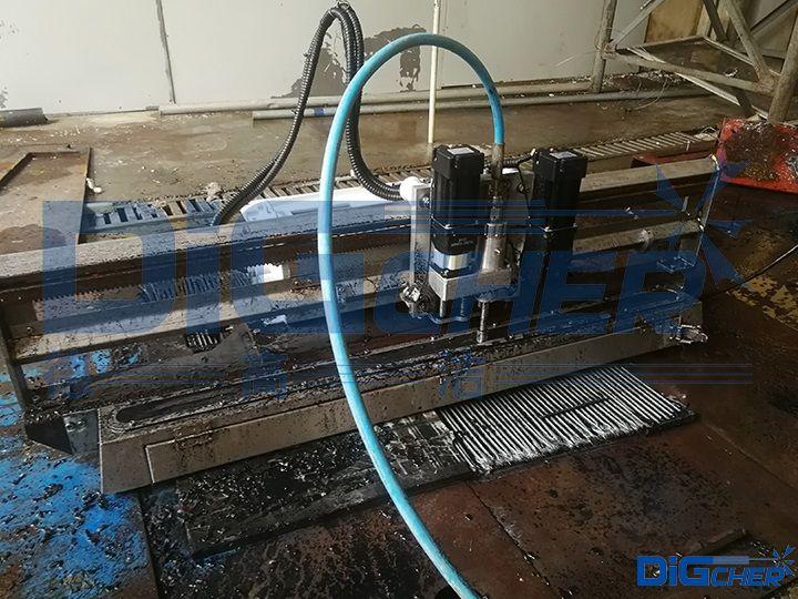 D1200-1513传送皮带自动剥离机