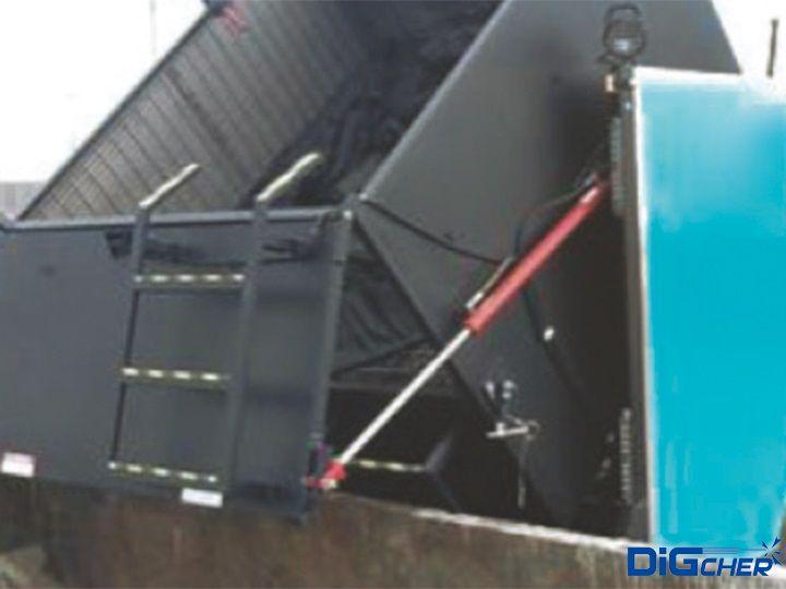 DAC2700HP大型飞机跑道除胶车回收物倾倒