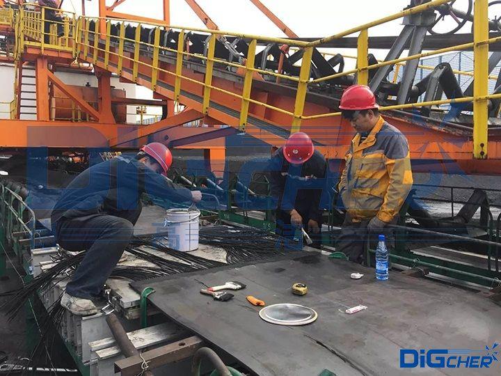 人工修复输煤皮带